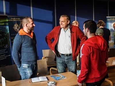 Susitikimas Bergene (iš kairės) Kęstas Kaupas, Algirdas Kaušpėdas, Tomas Eidukevičius
